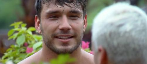 Lucas conversa com Viny sobre sentimento por Hariany. (Reprodução/Record TV)