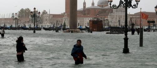 Suman dos muertos por inundaciones en Venecia. - televisa.com
