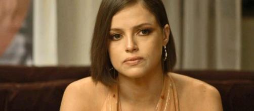 Josiane suplica perdão de Téo em 'A Dona do Pedaço'. (Arquivo Blasting News)