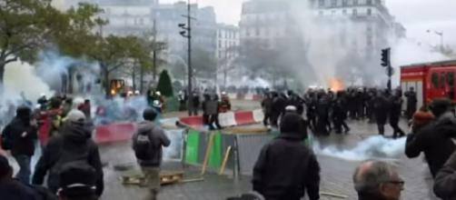 Violence returns to Paris marking a year since yellow vest protests began. [Image source/ABC News YouTube video]