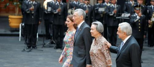 El Gobierno de AMLO dio la bienvenida al primer ministro de Singapur y a su esposa en el Palacio Nacional.