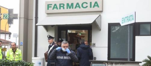 Firenze, neonata trovata morta in un borsone davanti ad una farmacia | repubblica.it