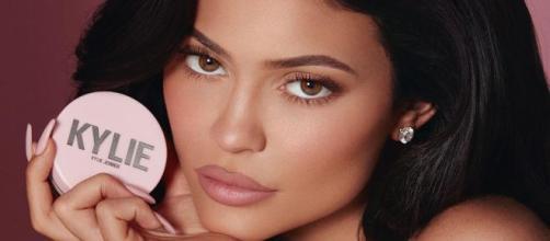 Kylie Jenner vende la mitad de su empresa y gana 600 millones de dólares