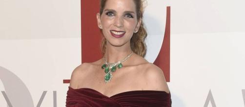 Margarita Vargas, esposa de Luis Alfonso de Borbón, con el collar de esmeraldas de los Franco en 2016. / GTRESONLINE