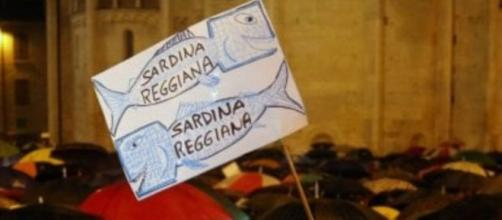"""Movimento delle """"sardine"""" in piazza"""