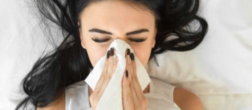 Segurar o espirro pode causar até um AVC. (Reprodução Blasting News)