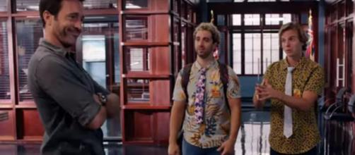 Steve (Alex O'Loughlin) misses out on the day with Scooter and Skeez on 'Hawaii Five-O.' [Image Source: SpoilerTV/YouTube]