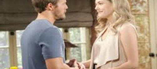 Beautiful, trame al 30 novembre: Liam e Hope annunciano il nome della nascitura