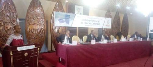 Dédicace de l'ouvrage 'Améliorer l'efficacité de l'Etat au cameroun (c) Odile Pahai