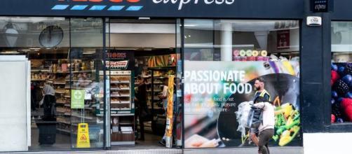 El Mercadona británico abre sus puertas en España