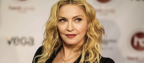Madonna explica la razón de su rutina de beber su propia orina