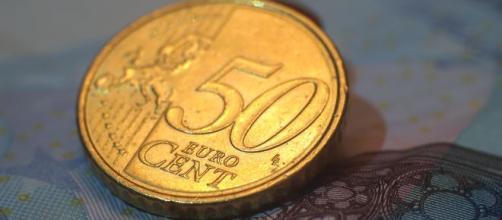 Moneta dal valore di 50 centesimi di euro.