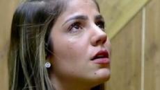 'A Fazenda 11': após briga com Lucas, Hariany se isola na despensa e cai no choro
