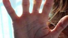 Abusi di gruppo sulla moglie e percosse al figlio: arrestato professionista del lecchese