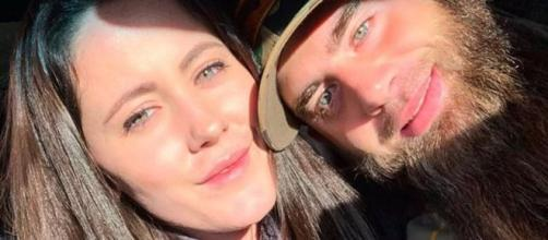 Jenelle Evans poses with David Eason before announcing divorce. [Photo via Instagram]