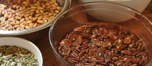 Las semillas y frutos secos contienen muchos beneficios.