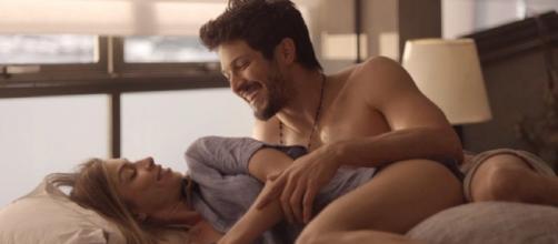 Marcos e Paloma passam noite apaixonada juntos. (Arquivo Blasting News)