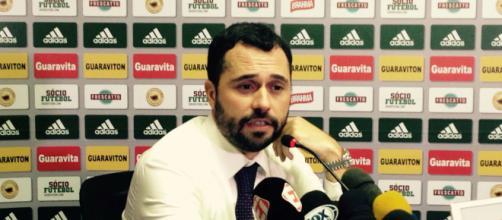 Mario Bittencourt, presidente do Fluminense concede entrevista coletiva. (Arquivo Blasting News)