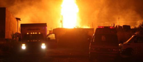 Nuevo incendio en un ducto de Pemex genera alarma en la población de Hidalgo.