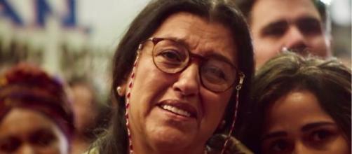 Regina Casé interpretará o drama de uma mãe com quatro filhos biológicos e uma adotiva. (Reprodução/TV Globo).