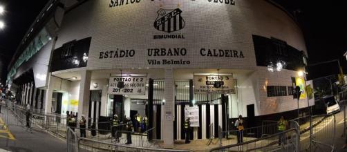 Jogo será na Vila Belmiro. (Arquivo Blasting News)