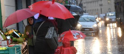 Maltempo al Nord, allerta rossa a Genova e Savona per le forti piogge | corriere.it