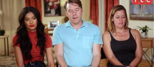 On '90 Day Fiancé,' Juliana had dinner with Michael's ex-wife but things didn't go as planned. [Image Source: TLC/YouTube]