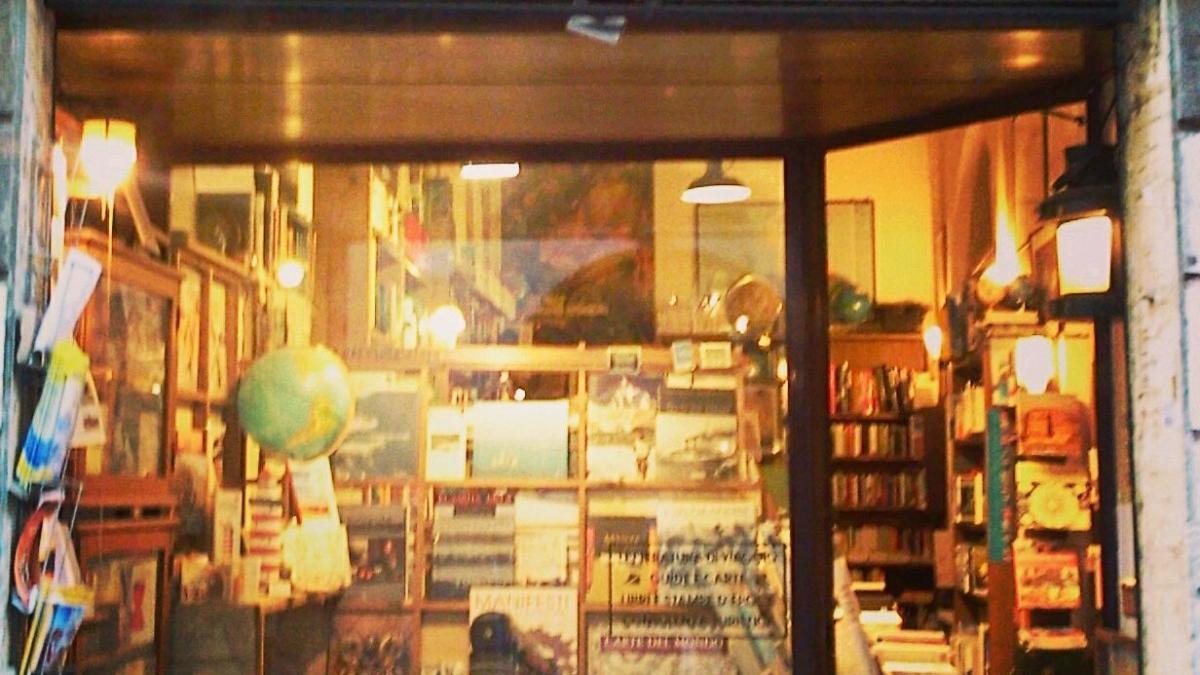 Risultati immagini per chiude a roma la libreria del viaggiatore ? immagini ?