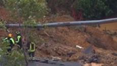 Il video del crollo del viadotto in A6 fa insorgere i social, Toti: 'Colpa di una frana'