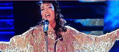 Nina Zilli canta 'Attenti al lupo' e viene travolta dalle polemiche
