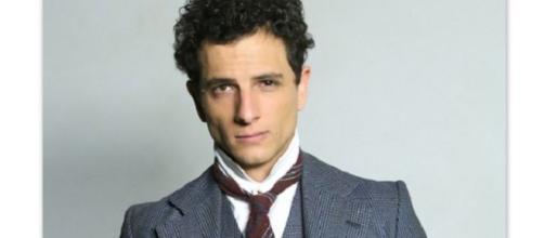 Álvaro Quintana chiede a Blanca di sposarlo sul set di Una Vita.