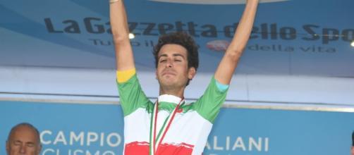 Fabio Aru con la maglia di Campione d'Italia conquistata nel 2017.