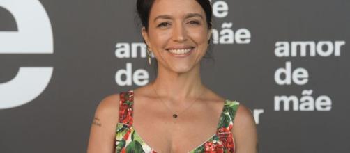 """Manuela Dias estreia no horário nobre, depois de dirigir as séries """"Justiça"""" e """"Ligações Perigosas"""". (Arquivo Blasting News)"""
