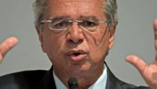 Paulo Guedes repete fala polêmica de Eduardo Bolsonaro sobre volta do AI-5