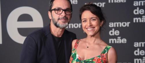 """A dupla por trás de """"Amor de Mãe"""", o diretor José luiz Villamarim e a autora Manuela Dias Imagem: Estevam Avellar/Globo"""