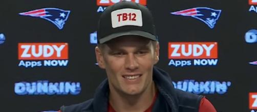 Brady threw for 190 yards and a touchdown vs Cowboys. [Image Source: New England Patriots/YouTube]