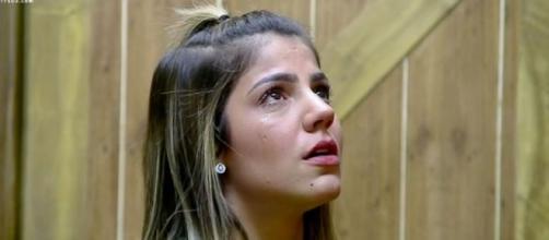 Hariany chorou após discussão com Lucas em 'A Fazenda 11'. (Reprodução/Record TV)