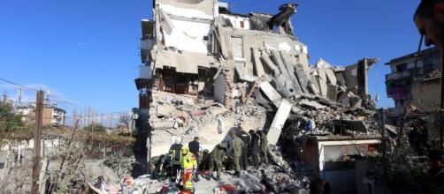 Terremoto Albania, oggi 27 novembre indetto il lutto nazionale: 25 sono i morti e circa 600 i feriti