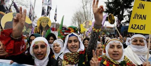 Turchia, le donne di Istanbul in marcia