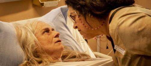 'Amor de Mãe': Lurdes vai enfrentar traficante de crianças mesmo com arma na sua cabeça. (Arquivo Blasting News)