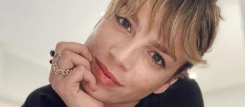 Emma Marrone senza trucco su IG: 'Donne siete tutte belle, puntate sulla semplicità'.