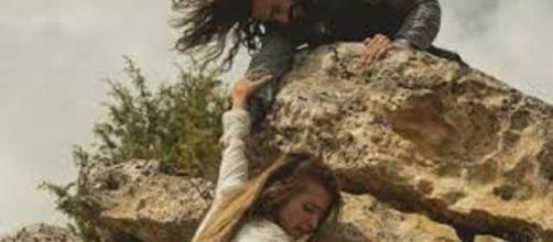 Il segreto, anticipazioni dicembre: Antolina muore cadendo in un dirupo