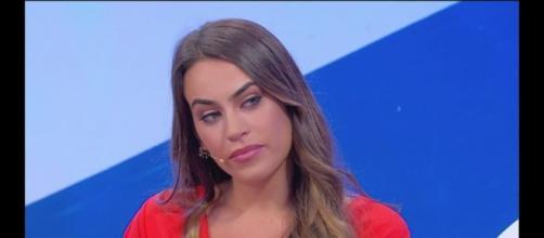 Uomini e Donne: Veronica Burchielli nella bufera dopo aver manifestato l'intenzione di incontrare Alessandro Zarino