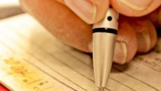Taxa de juros cobrada no cheque especial terá limite de 8% ao mês a partir de janeiro