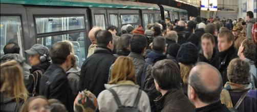 Grève du 5 décembre : la SNCF et la RATP feront appel à leurs cadres de réserve. Credit: Flickr