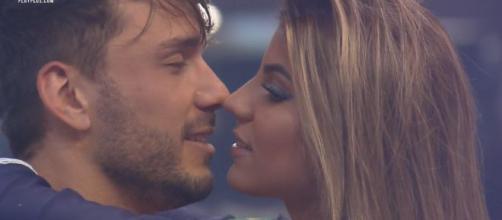 Hariany e Lucas decidem terminar namoro. (Reprodução/Record TV)