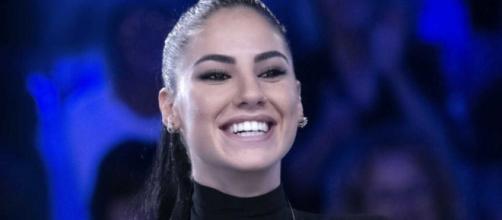 Giulia De Lellis su Sanremo: 'Troppo giovane per fare la co-conduttrice, non me la sento'.