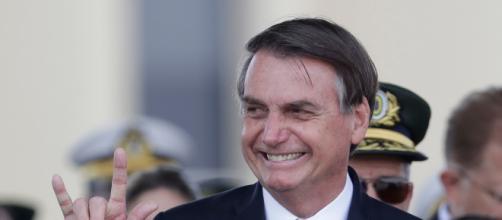 Mais uma acusação sem prova de Bolsonaro, desta vez atingindo o ator Leonardo DiCaprio. (Foto: Arquivo Blasting News)