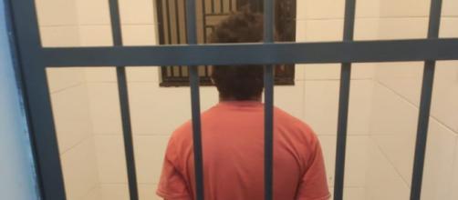 O homem foi preso em flagrante. (Divulgação/ Polícia Militar)
