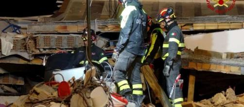 Terremoto Albania, sale a 50 morti e 2 mila feriti il bilancio del sisma di martedì scorso 26 novembre